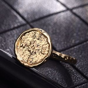 Boho Wanderlust Compass Hammered Gold Ring